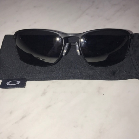152651f2044 Polarized Men s Oakley Conductor 8 Sunglasses. M 5c3bab0312cd4a7db8d8263a